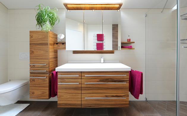 Badezimmer von Schreinerei Weber