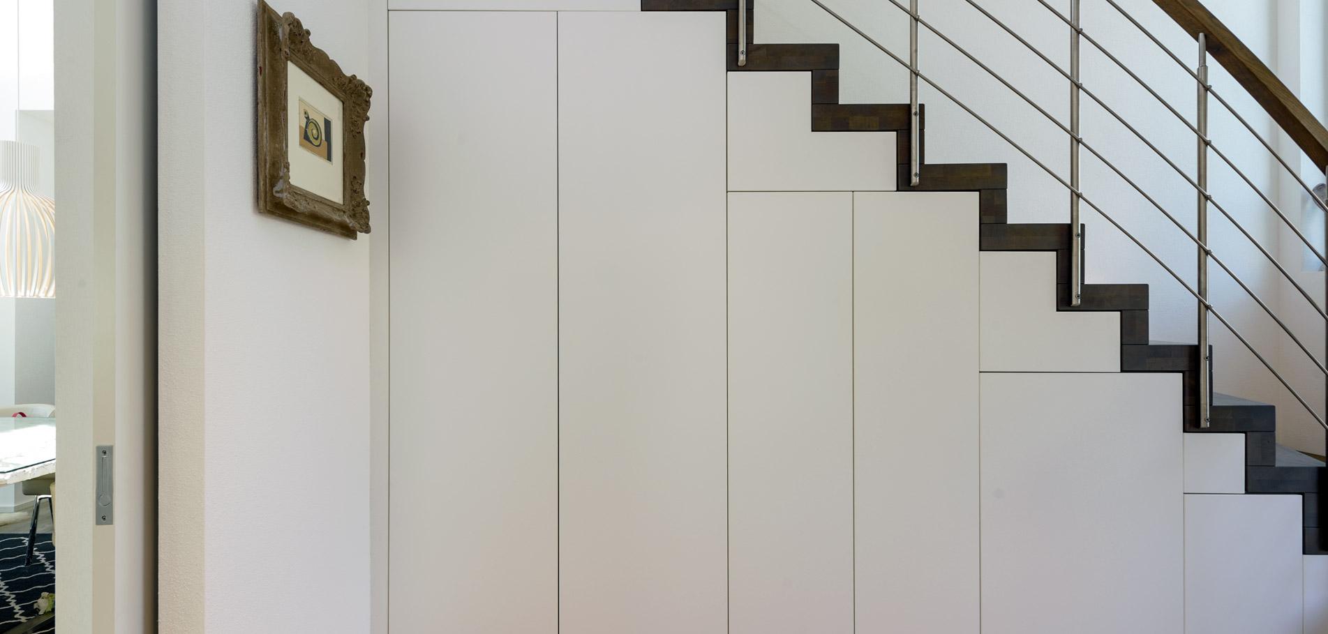 Treppenschrank von Schreinerei Weber
