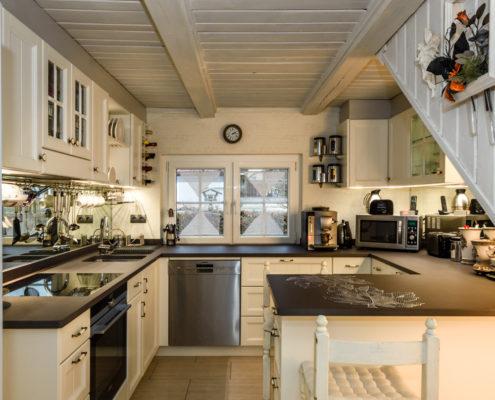 küche-fichte-massiv-landhausstil-gesamt