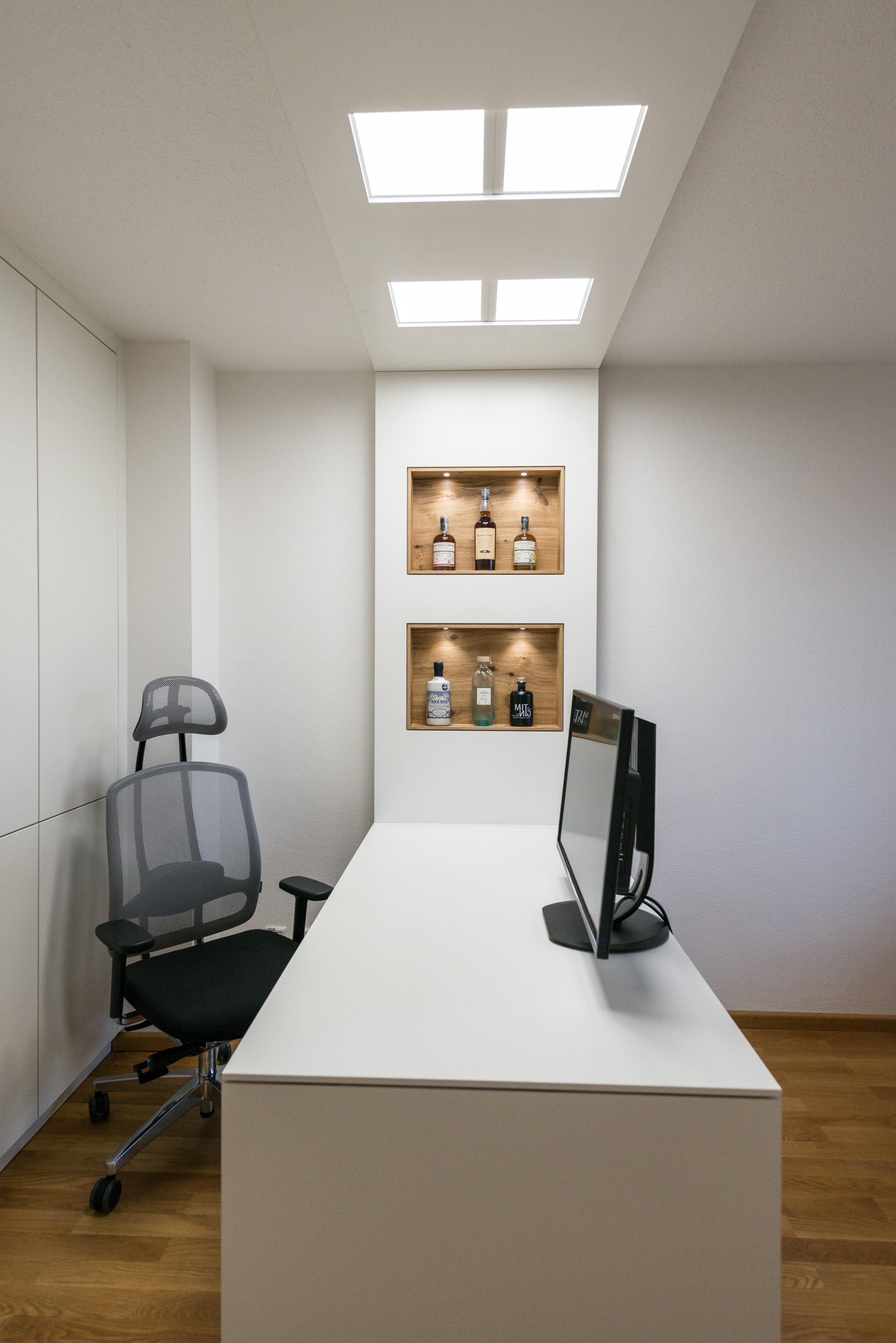 Schreibtisch weiß matt