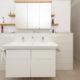 Waschtisch in weißem Dekor