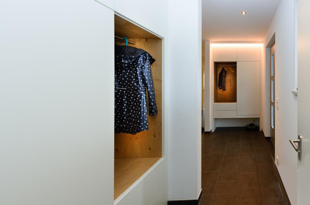Einbauschrank mit Kleiderstange
